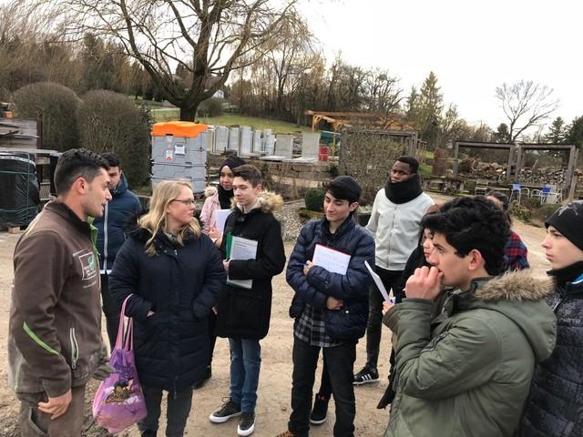 Gevara Abdallah berichtet über die Arbeit als Auszubildender bei Albrecht Bühler Baum und Garten