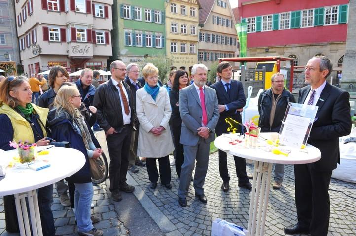 Bürgermeister Wilfried Wallbrecht heißt die Gäste in Esslingen willkommen
