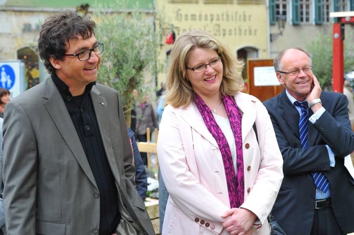 Martin Joos, Vorstand des Verbands Garten und Landschaftsbau, Bettina Münz, Geschäftsführerin Agentur für Arbeit, Göppingen und Rektor Klaus Wellpott