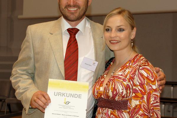 Albrecht Bühler mit Regina Halmich