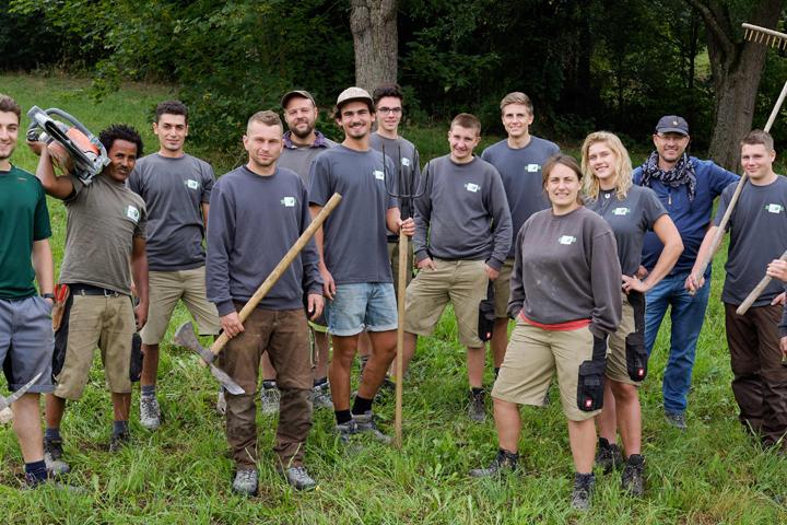 13 Auszubildende bei Albrecht Bühler Baum und Garten